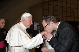 RW-Papal photo